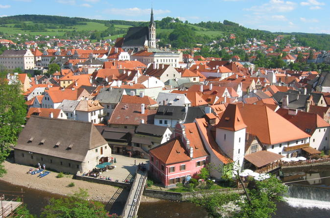 Private return day trip from linz to cesky krumlov transportation in linz 287337