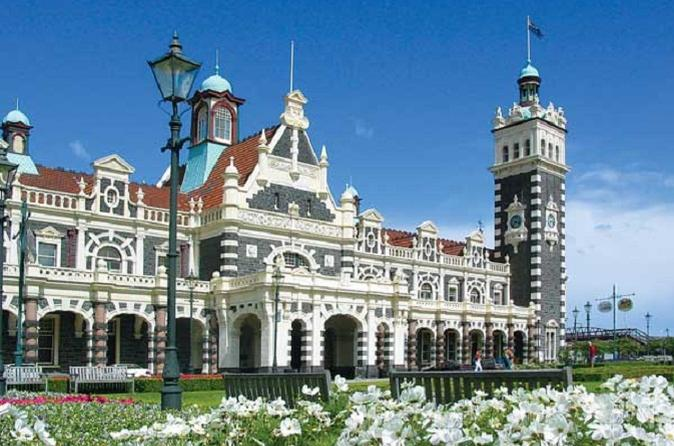 Dunedin Shore Excursion: Taieri Gorge Railway Tour and City Sightseeing