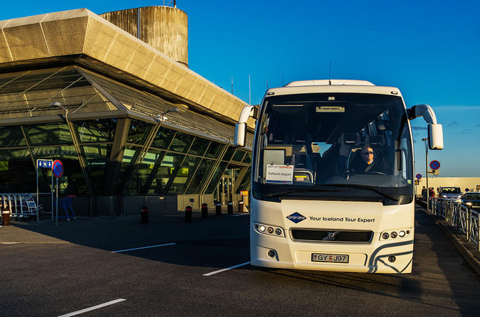 Airport Express Shared Departure Transfer from Reykjavik Hotels to Keflavik Airport
