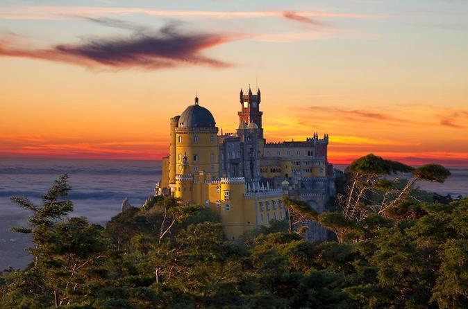 Excursão para grupos pequenos de dia inteiro de Sintra: o começo do conto de fadas