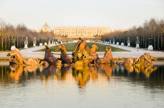 4 hour Versailles Tour including Skip the Line Castle Tickets & Licensed Guide