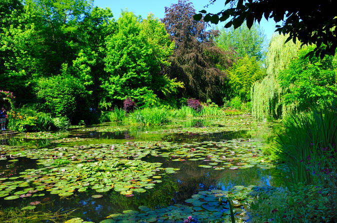 Giverny - Auvers Van Gogh Full Day Private Guided Tour from Paris