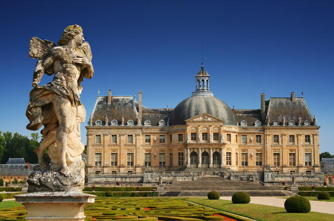 Vaux le Vicomte Half Day Private Guided Tour from Paris