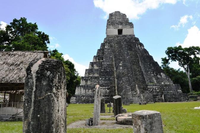 6-Day Tour: Traditional Guatemala Including Antigua, Chichicastenango Market, Lake Atitlan and Tikal