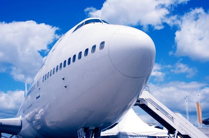 Traslado compartido para llegadas: desde el Aeropuerto Mundo Maya hasta los hoteles de Flores