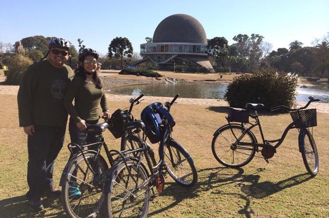 Excursão de bicicleta de meio dia de Recoleta e Palermo em Buenos Aires