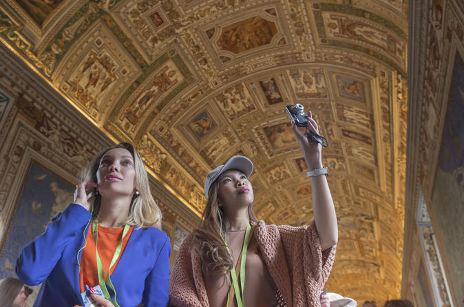Skip the Line: Vatican Museums, Sistine Chapel and St Peter's Basilica Half-Day Walking Tour