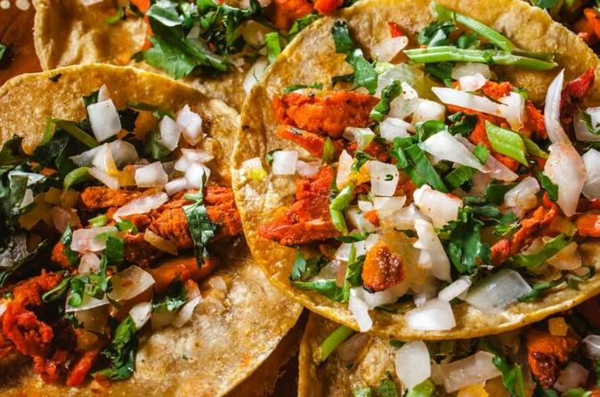 EAT LIKE A LOCAL IN MEXICO CITY: STREET FOOD EXPERIENCE
