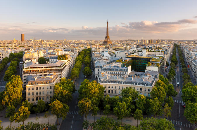 Explore Paris with a Local