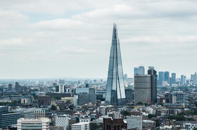 London: Explore Southbank to Borough Market with a local host