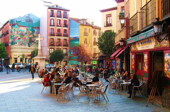 Madrid: Kickstart Experience with Host