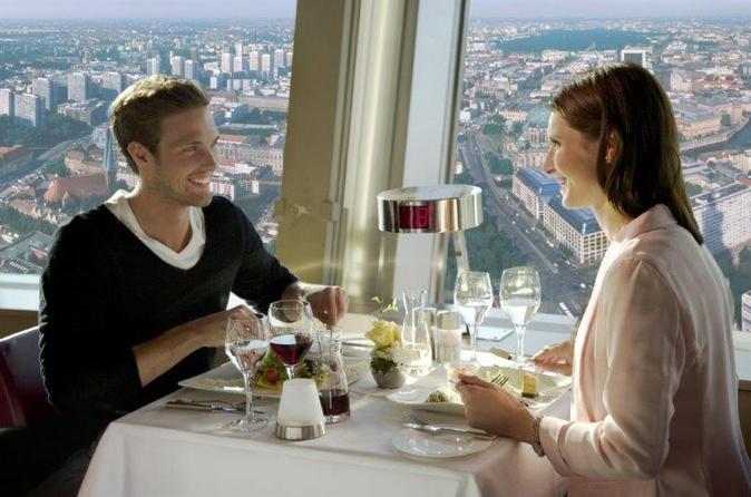 Evite as filas: Almoço na Torre de TV de Berlim