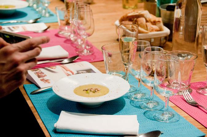 Small-Group Food Tasting with Wine Pairings in Paris