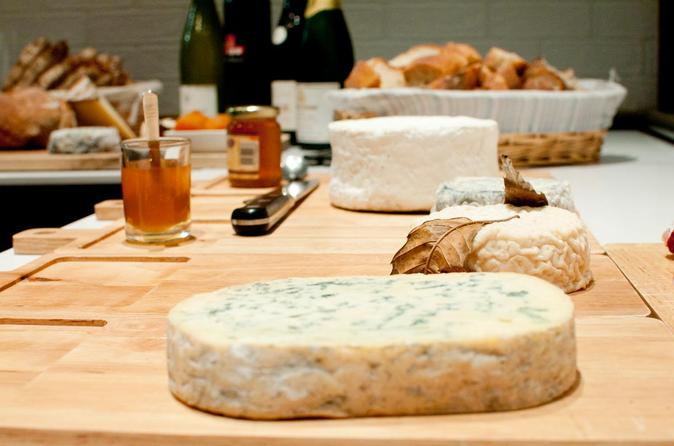 Small-Group Paris Wine and Cheese Tour with a Sommelier