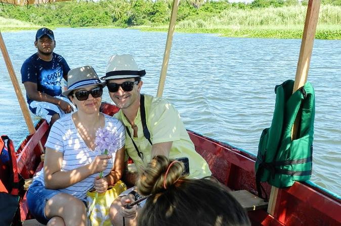 Excursão na lagoa Coyuca em Acapulco e liberação de tartaruguinhas