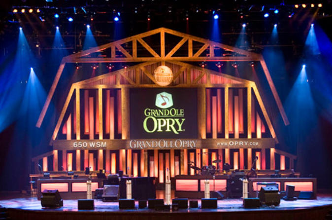 Nashville tour of grand ole opry house and gaylord opryland resort in nashville 120594
