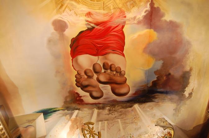 Viagem de um dia ao Museu Salvador Dalí, Figueres e Cadaques para grupos pequenos saindo de Barcelona