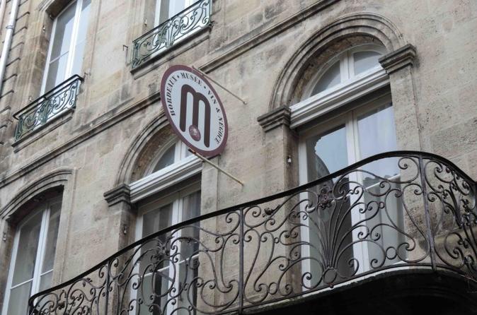 Visita ao Museu do Vinho e do Comércio de Bordeaux com degustação de vinhos