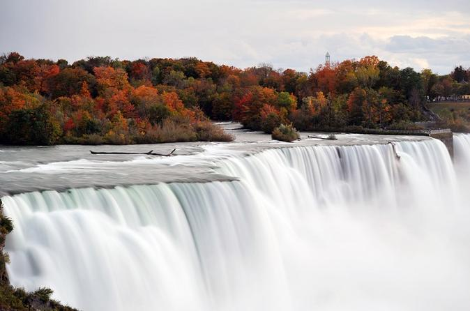 2-Day Niagara Falls and 1000 Islands Tour from Boston