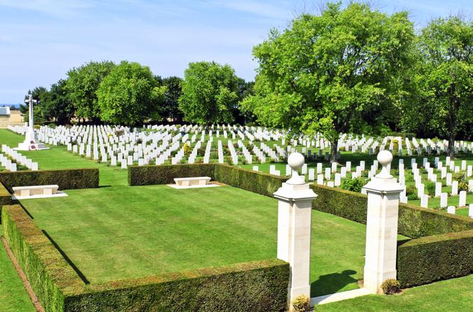 Excursão aos Campos de Batalha da Normandia - Locais da Segunda Guerra Mundial canadense