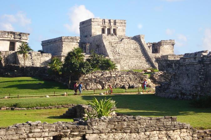 Viagem diurna a Coba Ruins, Cho Ha Cenote, Tulum e Paradise Beach