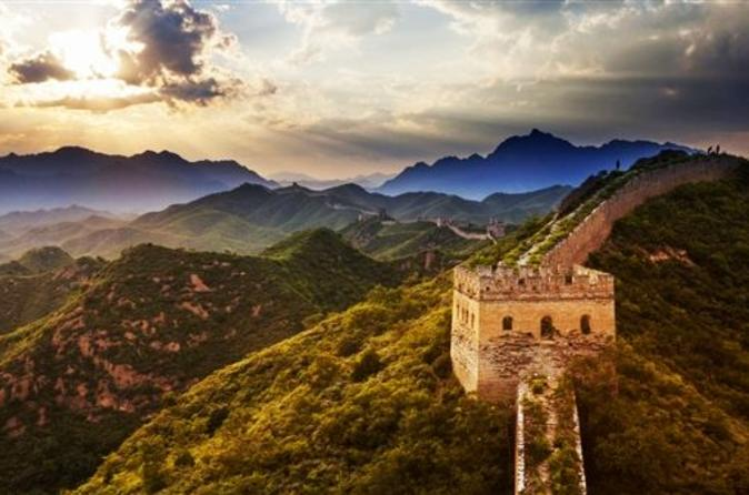 Private Hiking Day Tour to Mutianyu Great Wall with Lunch