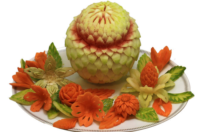 Hour vegetable and fruit carvings class in chiang mai in