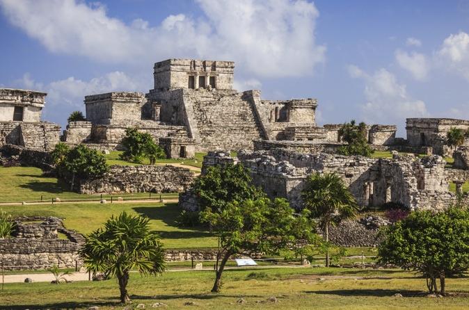 Cancún supereconômica: Ruínas de Tulum e de Coba incluindo nado em uma dolina e almoço
