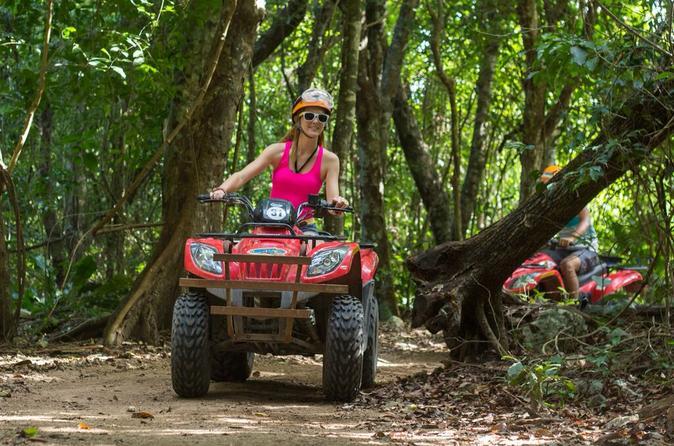 Excursão de aventura em um ATV no Native's Park de Cancun, incluindo nado em cenote