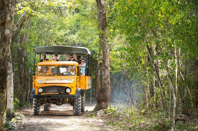Excursão pela selva de Cancun: Tulum, mergulho no cenote, passeio em veículo 4x4 e tirolesa