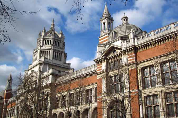 Private Victoria & Albert Museum Tour: Greatest Collection of Arts and Crafts