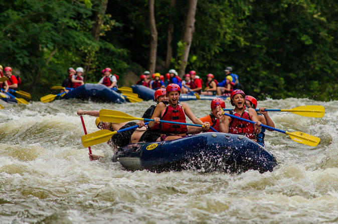 White water rafting on the pigeon river in hartford 331643