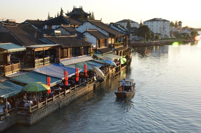 Shanghai Private Tour of Zhujiajiao Water Town and Jade Buddha Temple