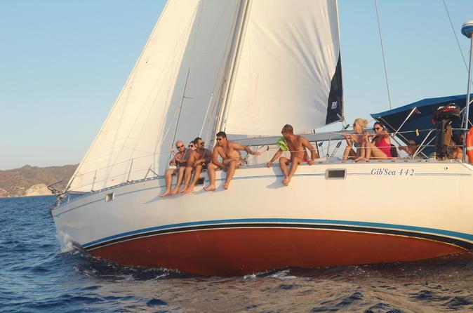 Day trip milos sailing adventure in plaka 313810
