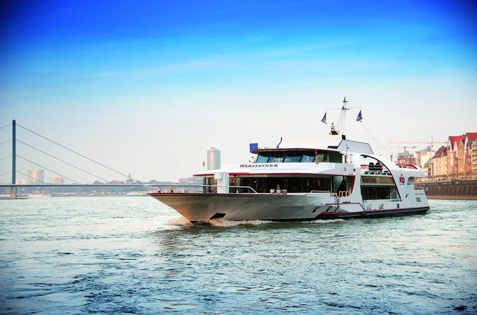 De Düsseldorf cruzeiro turístico panorâmico incluindo comentários