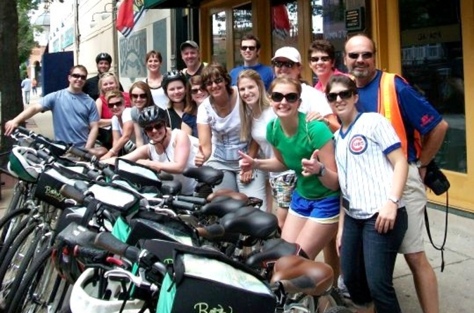 Fahrradtour 'Tastes of Chicago': Chicago-Style Pizza, Bier, Cupcakes und Hot Dogs