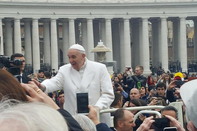 Half-Day Papal Audience in St. Peter's Square with a Guide