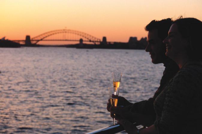 Cruzeiro-jantar ao pôr do sol em Sydney Harbour