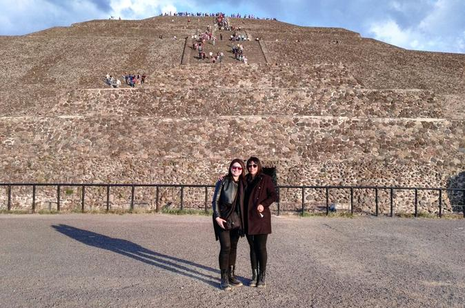 Private Tour Layover in Mexico know Teotihuacan and Guadalupe Shrine