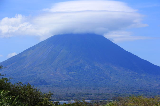 Small-Group Tour of Isla de Ometepe with El Ceibo Museum