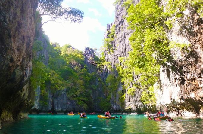 Shared El Nido Island Hopping Tour Including Picnic Lunch""