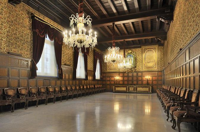 Evite as Filas: Excursão guiada em La Casa de la Seda em Barcelona