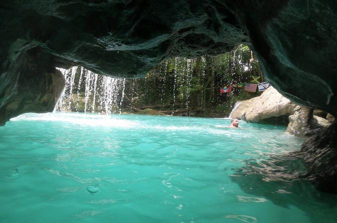 Blue Hole 4 or More Group Tour