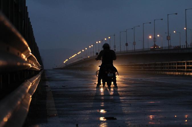 Mumbai City Tour -Experience Sightseeing Riding Or Pillion Vintage Royal Enfield