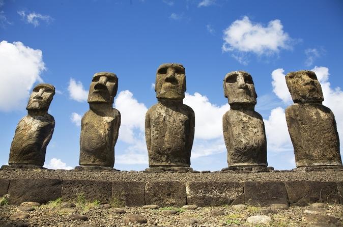 Excursão de 4 dias pela Ilha da Páscoa: estátuas Moai, Ahu Akivi e Akahanga
