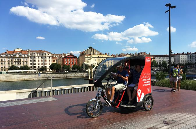 Private Lyon Sightseeing Tour in Electric Vehicle with Treasure Hunt