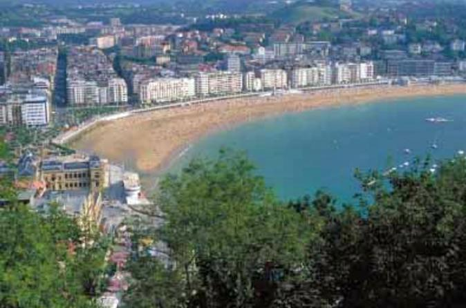 Hop-on-Hop-off-Tour durch San Sebastian