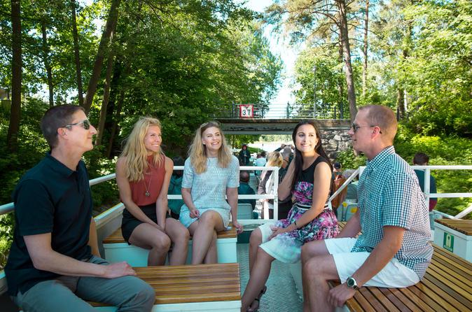 Cruzeiro turístico pelos canais de Helsinque