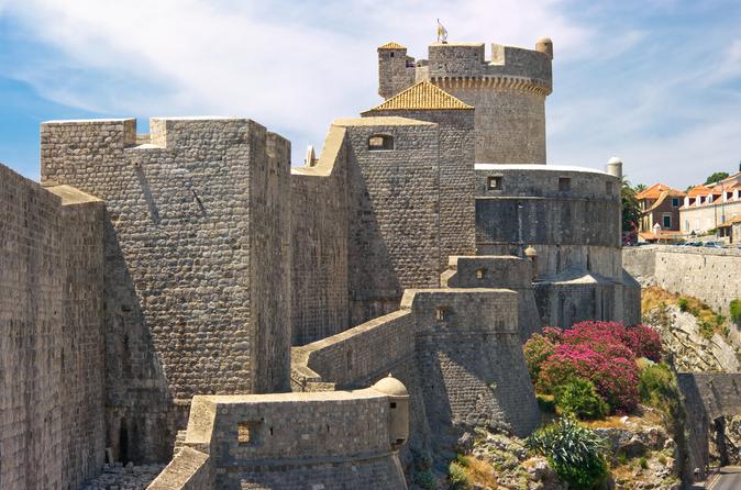 Excursão histórica a pé pelas antigas muralhas da cidade de Dubrovnik