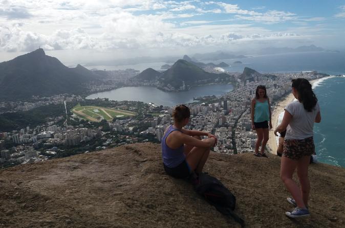 Excursão de bicicleta e caminhada de Copacabana ao Morro Dois Irmãos